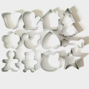 12Pcs-Lot-Christmas-Cookie-Cutter-Tools-Aluminium-Alloy-Gingerbread-Men-Shaped-Holiday-Biscuit-Mold-Kitchen-cake